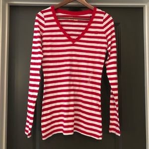 NWT! Hollister Women's Red Long Sleeve Size M